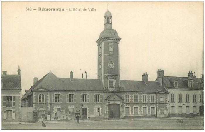 carte-postale-ancienne-41-romorantin-hotel-de-ville-1917.jpg