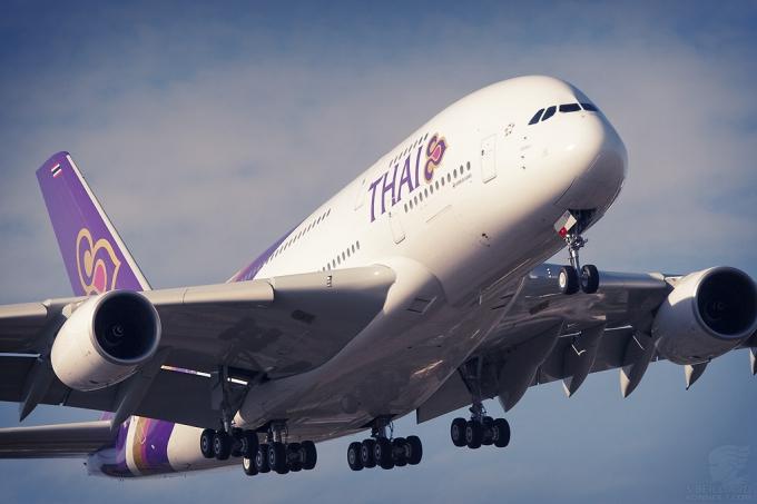 A380-ThaiAirways-001-TLS120917--HS-TUA--SB1024F.jpg