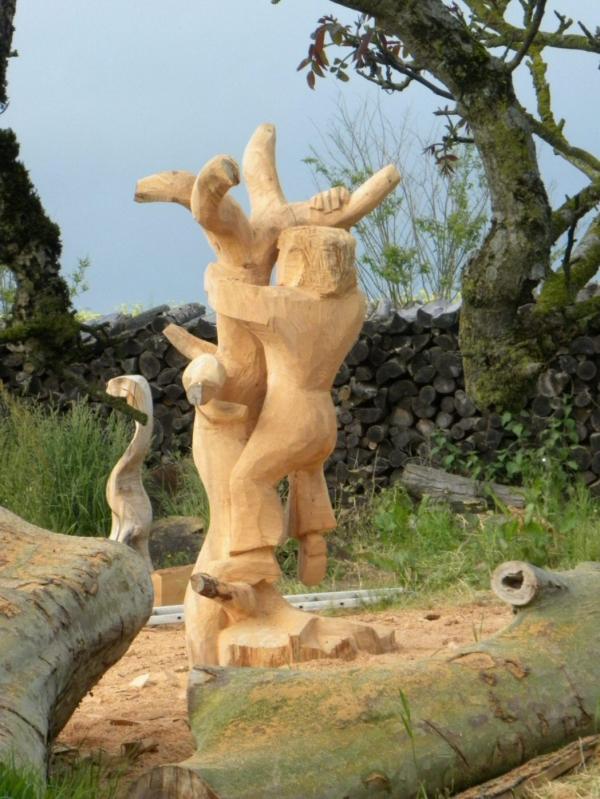 sculpture,arbres,tronçonneuse
