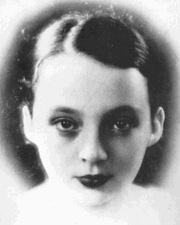 Jeune-Marguerite-Duras.jpg