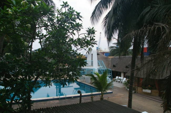 hotelport1.jpg