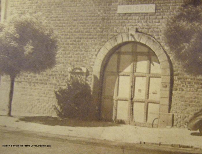 86.Poitiers2.JPG