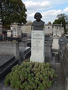 Tombe de Pierre Leroux.JPG