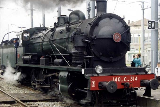 locomotive%20%E0%20vapeur%20140-c-314[1].jpg